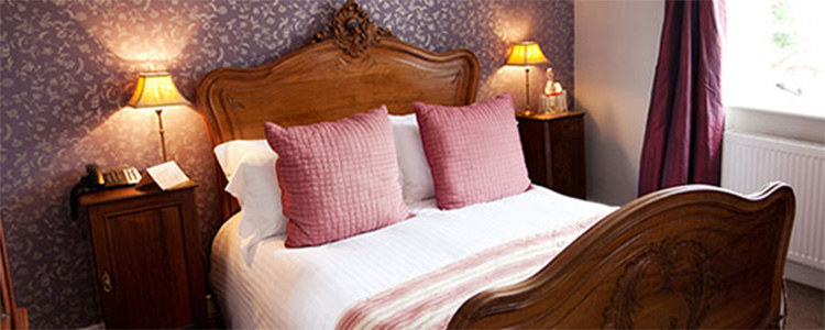 The Queens Arms rooms price check Best Prices and Availability